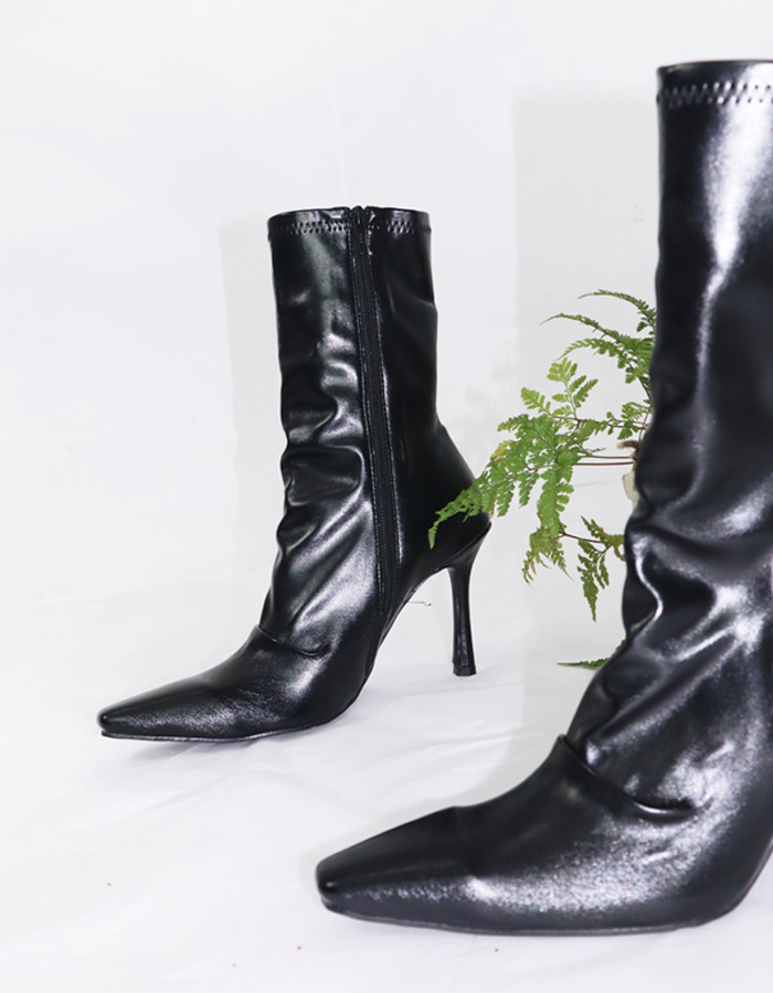 Shirring ankle boots